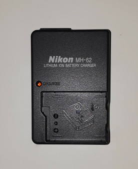 Nikon MH-62 Battery Charger (BRAND NEW!)