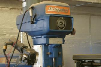 Bridgeport Vertical Milling Machine 4 HP Series II