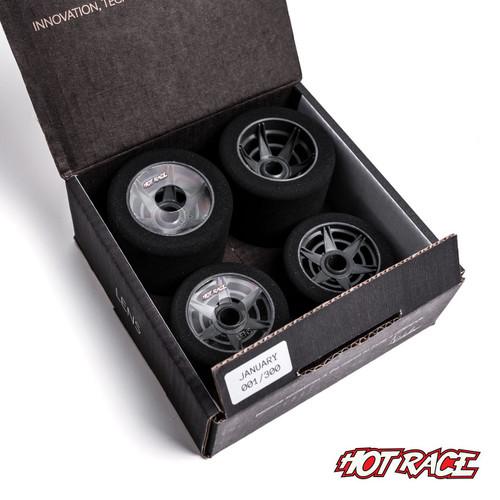Hot Race 1:8 Lens Tire Set (Red/Green) (Super Soft/Soft)