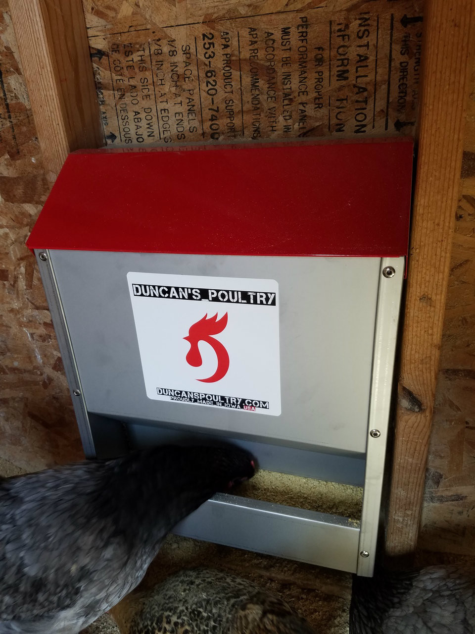 Duncan's Poultry 30 LB Space Saver Wall Feeder