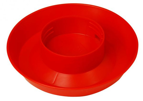 Screw-on waterer base     Fits the Little Giant 1-Quart Screw-On Feeder/Waterer Jar (sold separately)     Combines with waterer jar to make a gravity-feed waterer     1-quart capacity when combined with waterer jar     Red