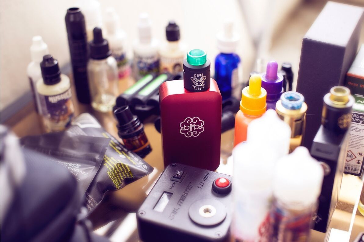 Top 9 Box Mod Vaporizer for the Happy Vapor (Oct 2019) - ECigMafia
