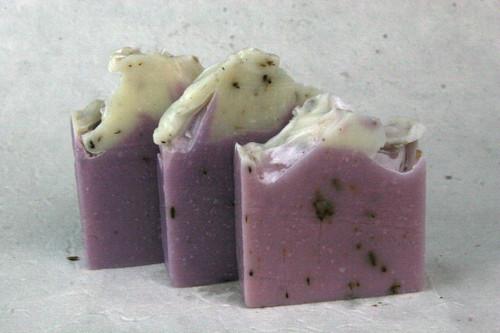 Lavender with Lavender Buds (EO) - 4.5oz Bar (+-.5oz)