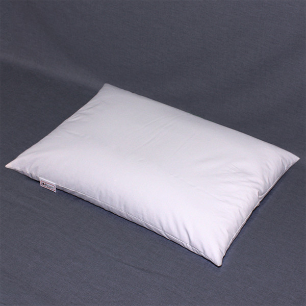This 14 x 20 pillow is the standard Japanese buckwheat hull pillow size. The recommended fill amount is 3.5 to 4 pounds of hulls.