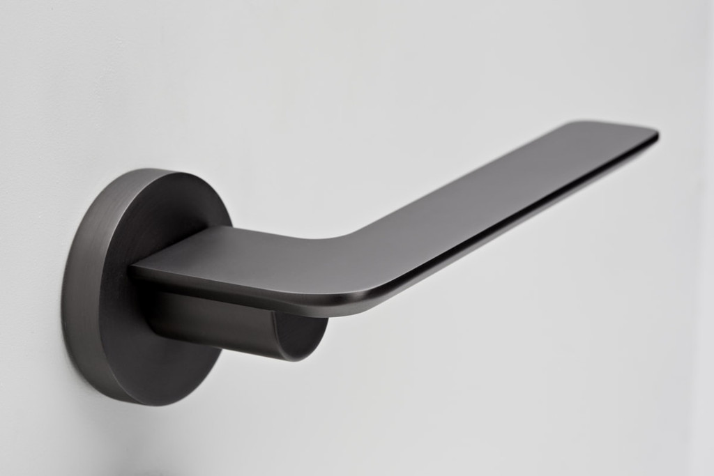 Gunmetal Grey Door Handle Passage I Mucheln Edge