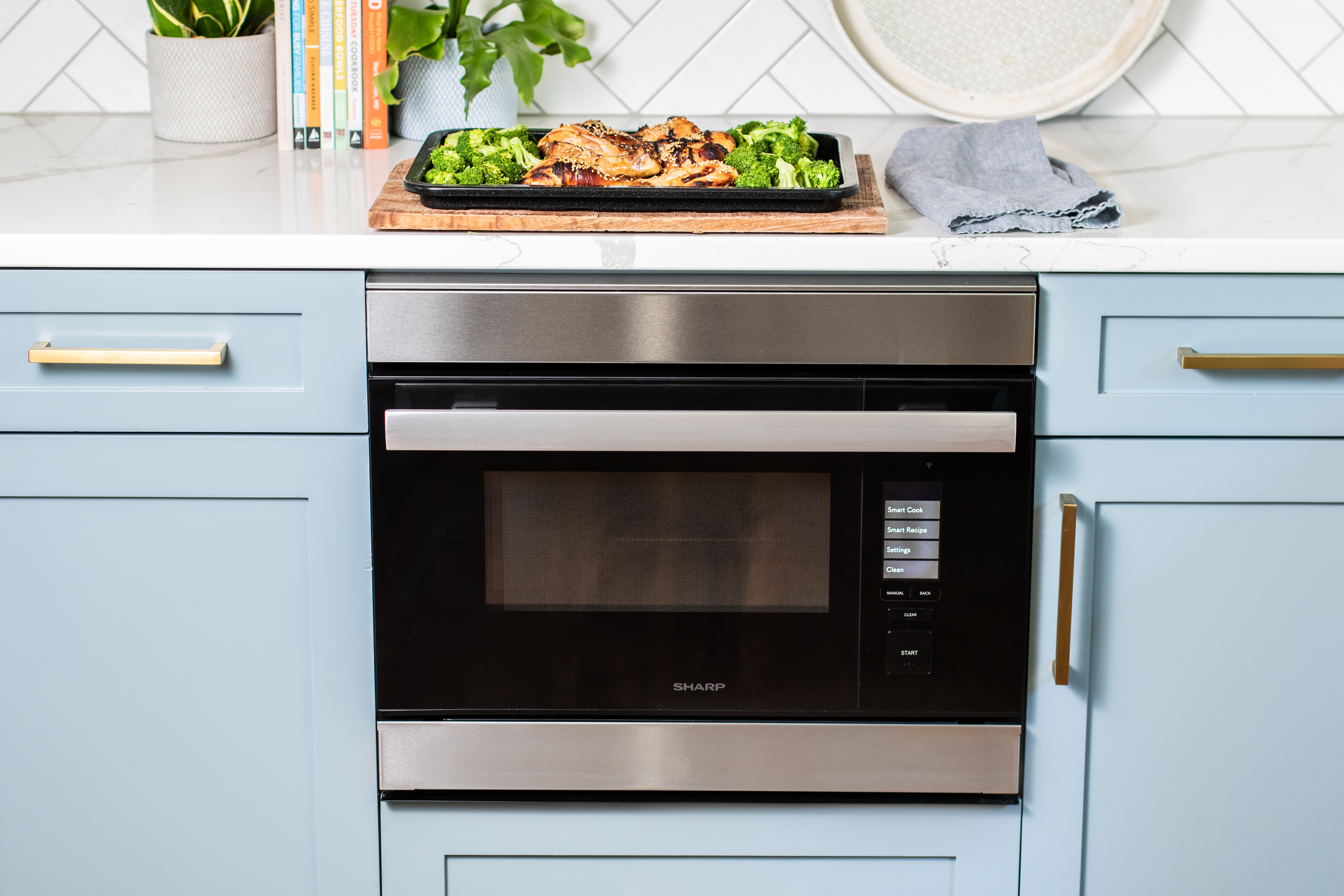 The Sharp SuperSteam+ Built-In Wall Oven (SSC2489DS)