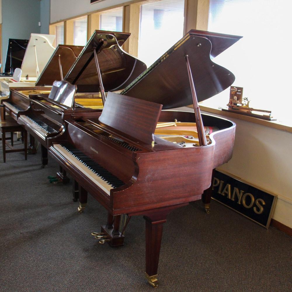 Baldwin Baldwin M Walnut 52 Baby Grand Piano