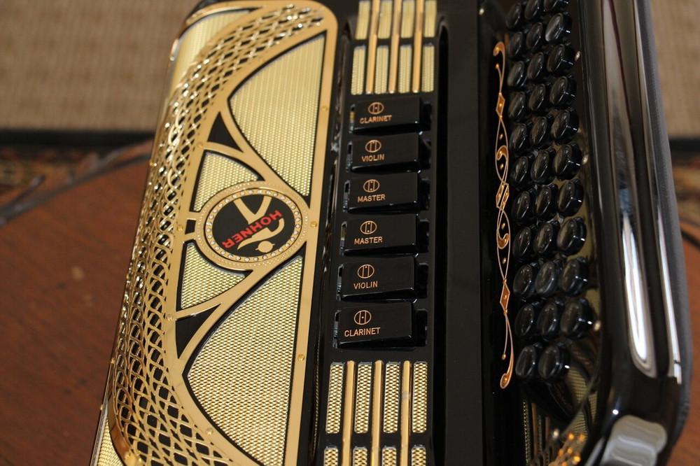 Hohner Hohner Anacleto Rey Aguila GCF Black and Gold