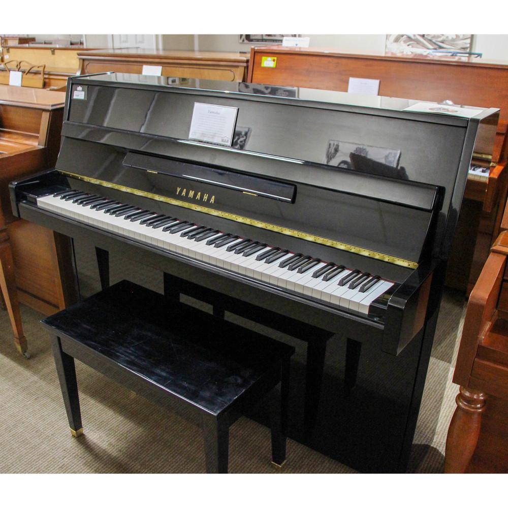 Yamaha Yamaha Piano M112 Polished Ebony with Bench