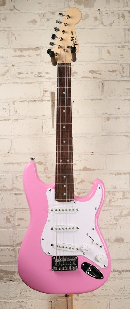 Fender Fender Squier Mini Strat Electric Guitar, Pink Finish