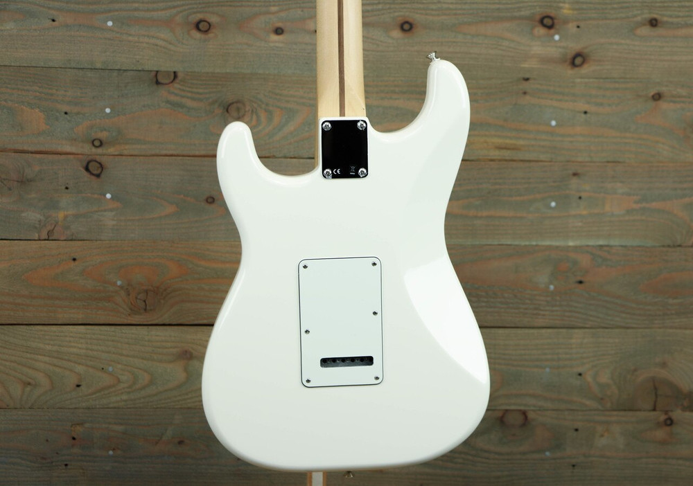 Fender Fender Standard Stratocaster Electric Guitar Arctic White