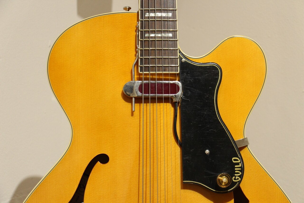 Guild Guild A150 Savoy Hollowbody Electric Blone w/Case