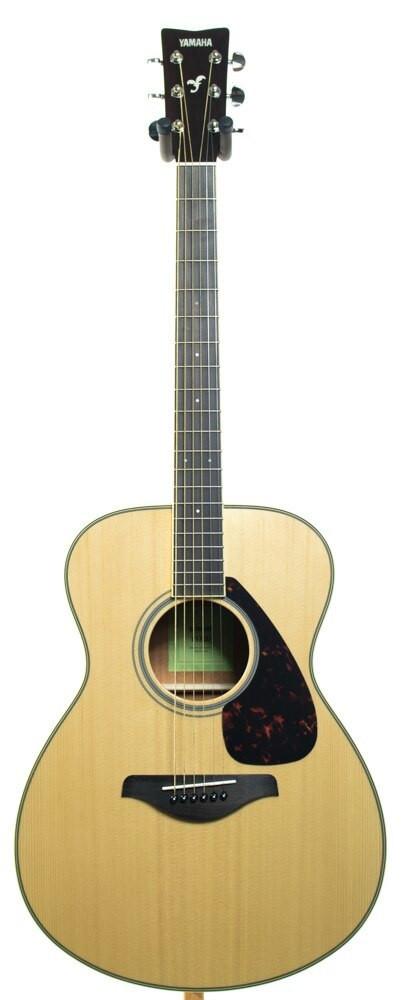 Yamaha Guitars Yamaha FS820 Small Body Acoustic Guitar Natural