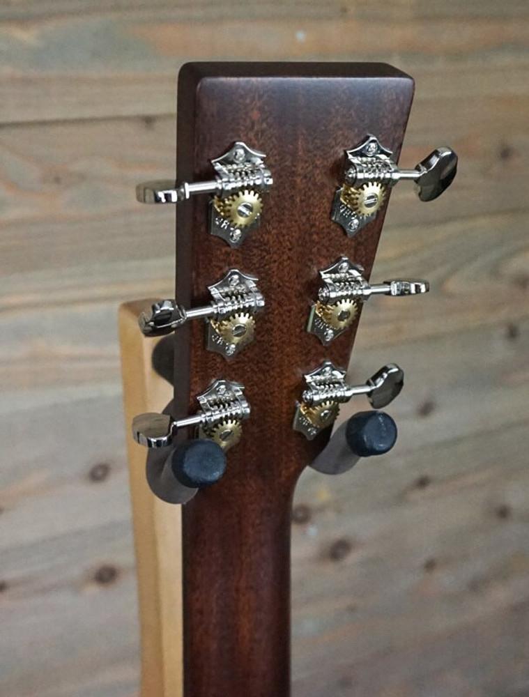 Martin DEMO Martin Standard Series 000-18 Auditorium Acoustic Guitar MINT