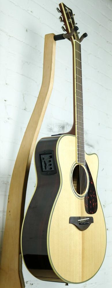 Yamaha Guitars Yamaha FSX830C Cutaway Acoustic-Electric Guitar Natural