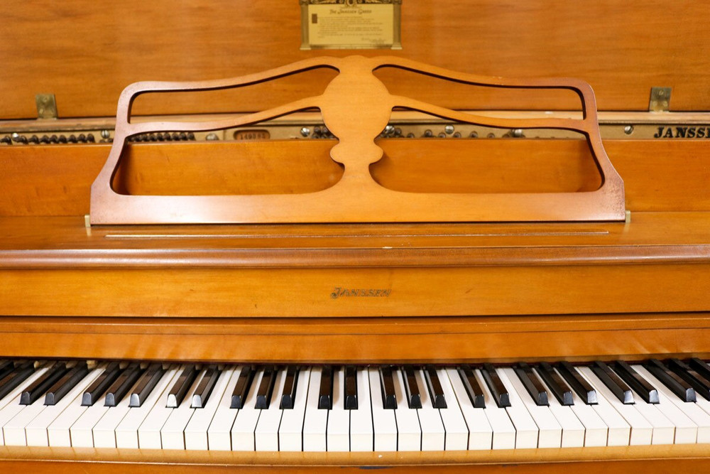 Janssen Janssen Spinet Piano