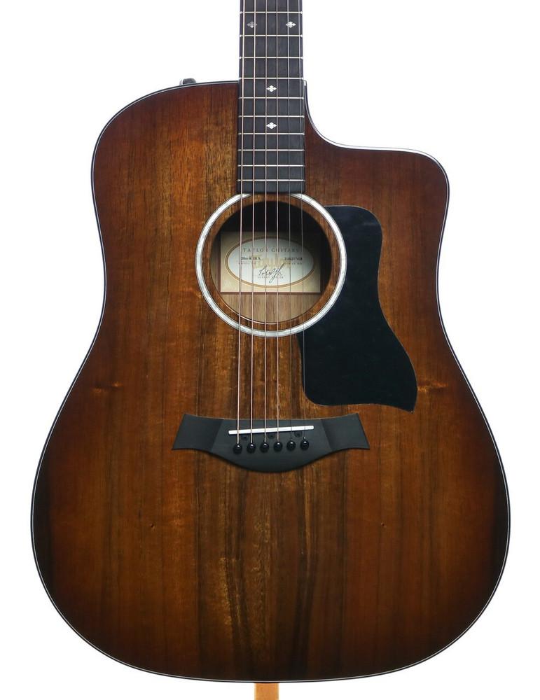 Taylor Guitars Taylor 220ce-K DLX KOA Dreanought Acoustic-Electric Guitar