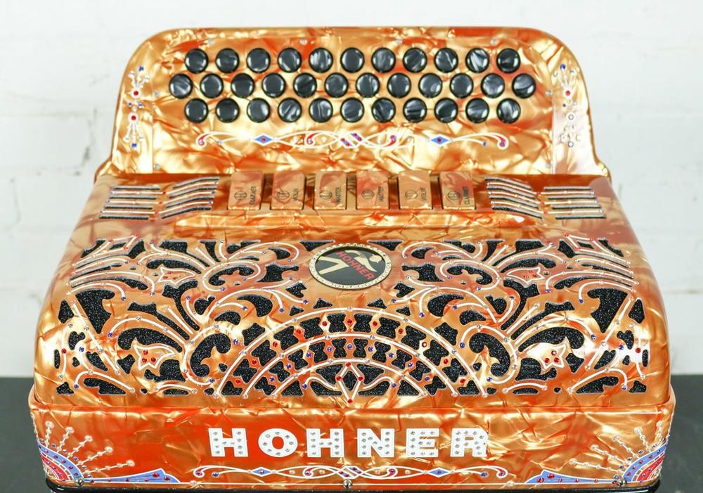 Hohner Hohner Anacleto Rey Del Norte TT FBbEb/EAD Accordion Compact Gold