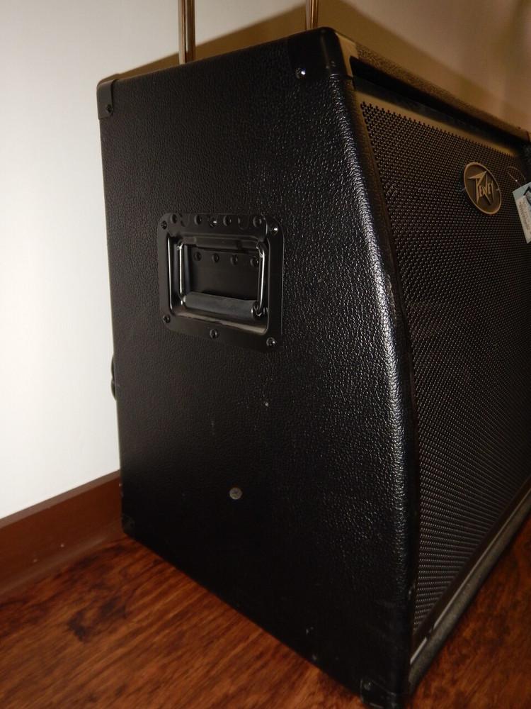 Peavey dollar299.00 Used Peavey KB 5 - 150W 2x10 Keyboard Amp-Missing Wheel