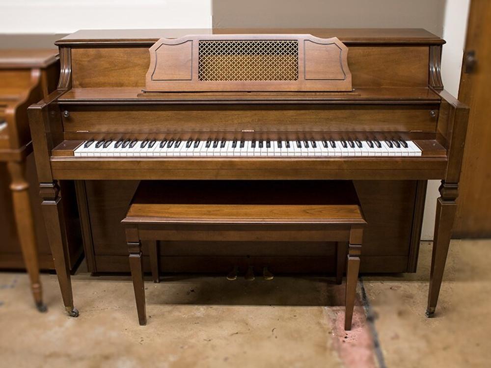 Everett Everett 5102 Upright Piano