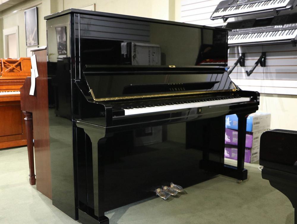Yamaha Yamaha U3 52 Professional Collection U Series Acoustic Upright Piano - Polished Ebony