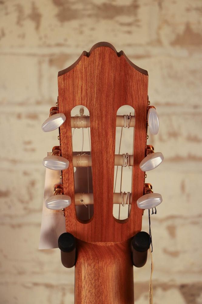 Yamaha Guitars Yamaha CG172SF Nylon String Flamenco Guitar Satin Natural