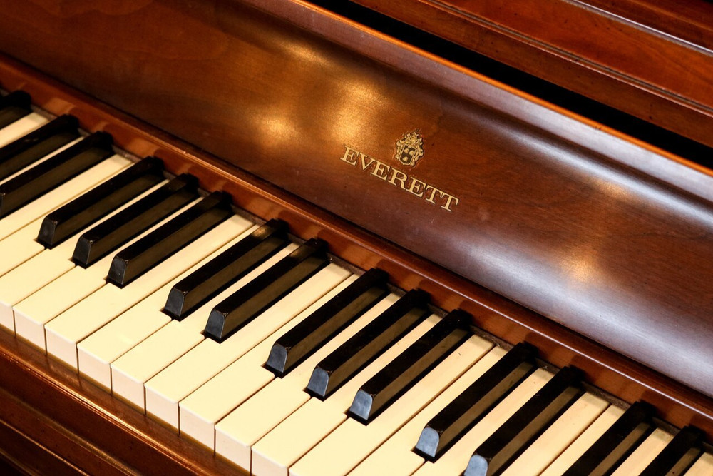 Everett Everett Console Piano