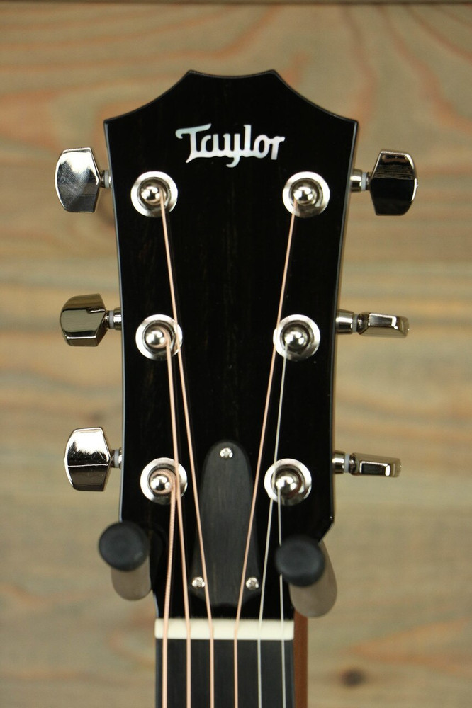 Taylor Guitars 714ce 12-Fret Limited Edition Cedar/Koa
