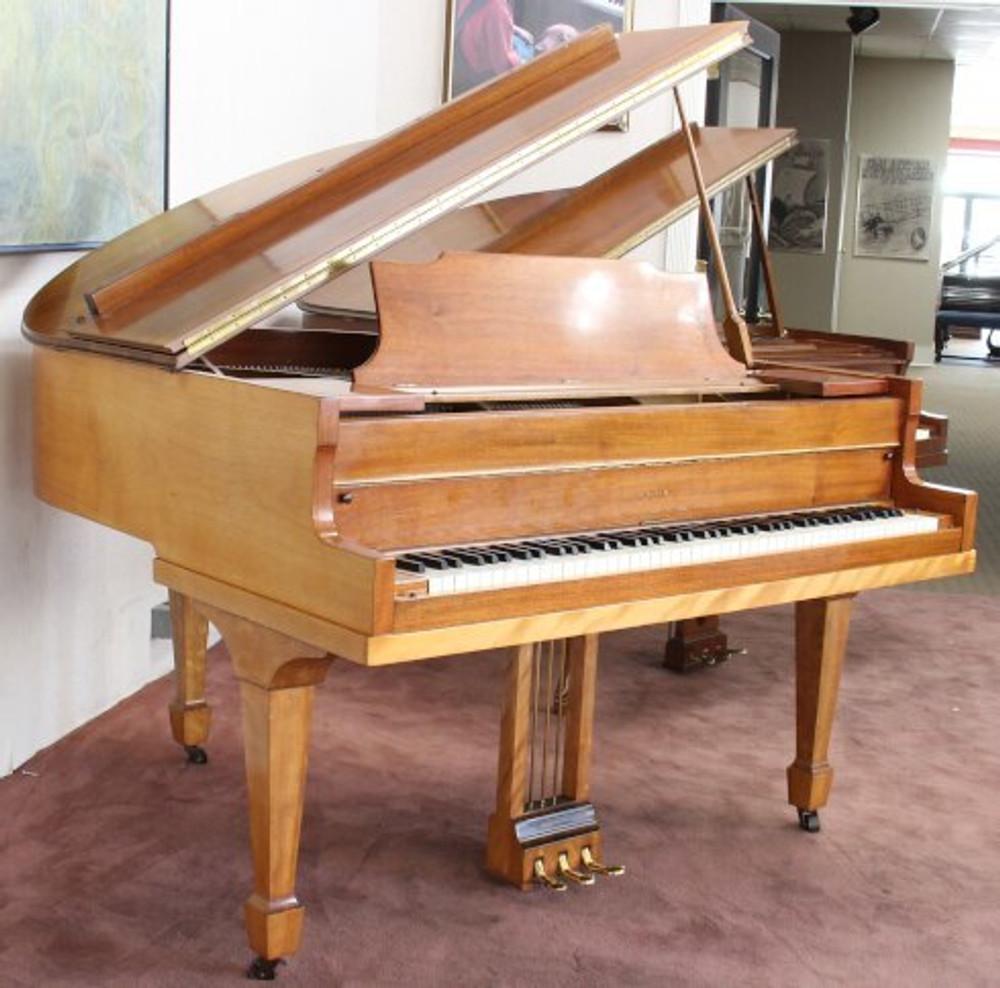 Dekalb Dekalb Baby Grand Piano - Walnut