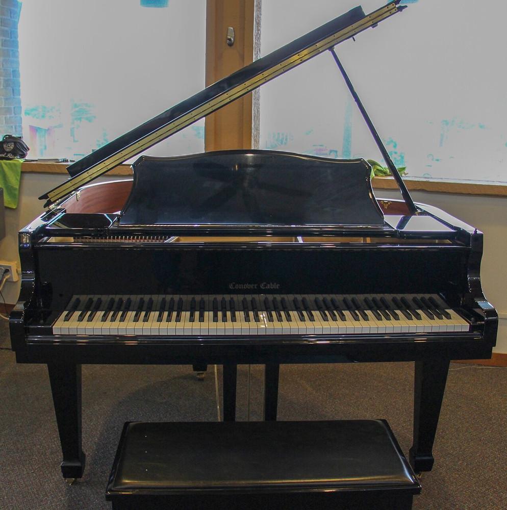 Conover Cable Conover Cable Petite Baby Grand Piano