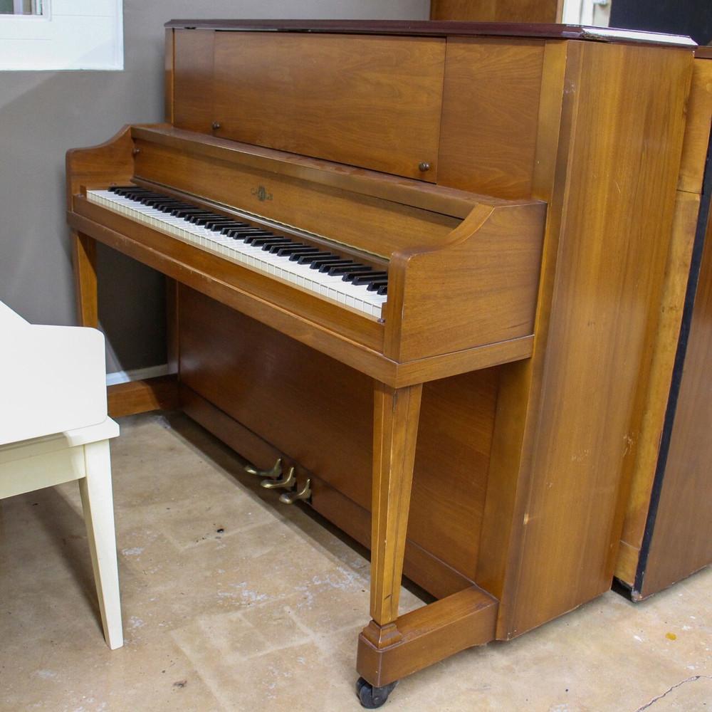 Cable Cable Studio Piano