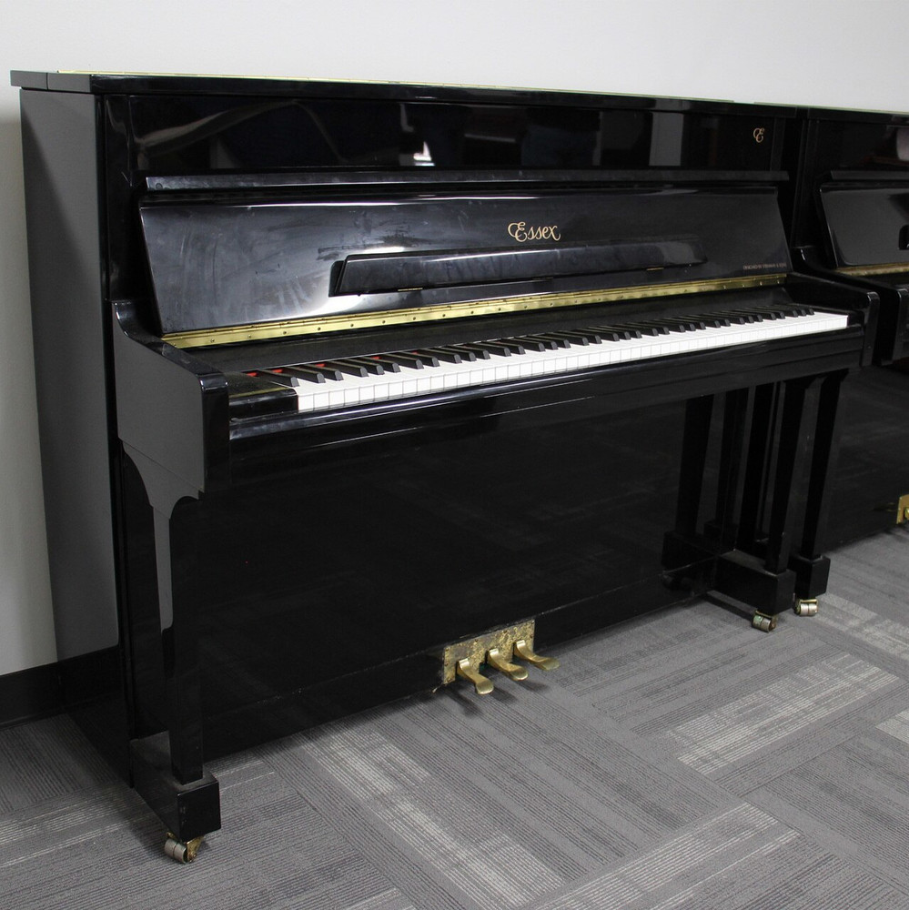 Essex Essex designed by Steinway and Sons EUP111 Polished Ebony Piano