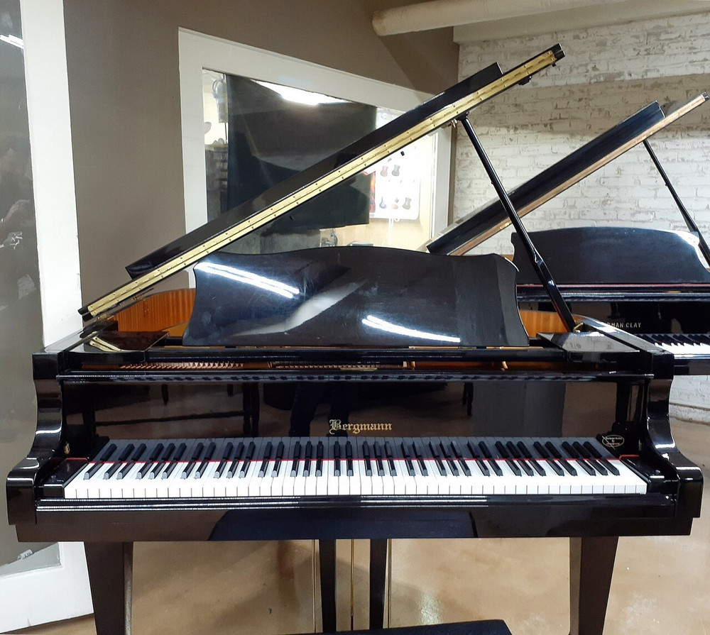 Bergmann Bergmann Heritage Series by Young Chang TG-150 Baby Grand Piano