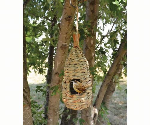 Songbird Essentials Hanging Grass Roosting Pocket Teardrop SE938