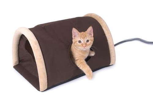 K&H Manufacturing Outdoor Heated Kitty Camper with Heated Pad KH3983