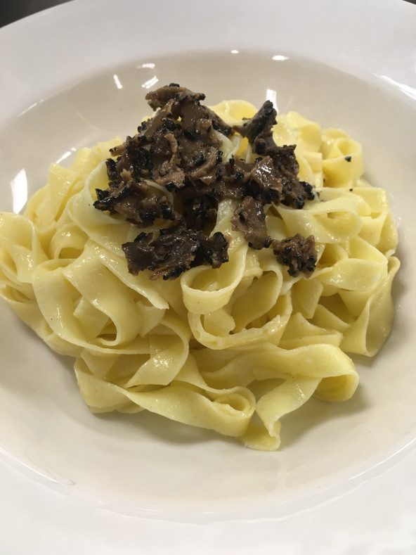 Truffle Recipes - Truffle Carpaccio and Fettuccine Alfredo