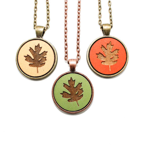 Small Cameo Pendants - Leaf (Red Oak)
