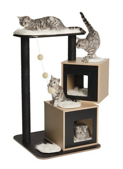 The V-Double has two caves and is ideal for 2 or more cats. Its multi-level design provides a space to rest as well as offers the opportunity to climb, jump and play. Base dimensions : 65 x 65 cm. Height : 103.5 cm.