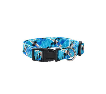Braided nylon dog collar with jacquard pattern! Easy and fast closure by loop clip. Composition: 100% nylon Care: Machine washable (30 °) Size: Width 1.6 cm. Fits the neck size 25-40 cm