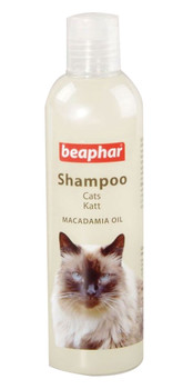This shampoo is a rich, premium shampoo. It is a specially formulated deep conditioning shampoo for cats. This shampoo contains macadamia oil to bring life and condition to the dullest coat.