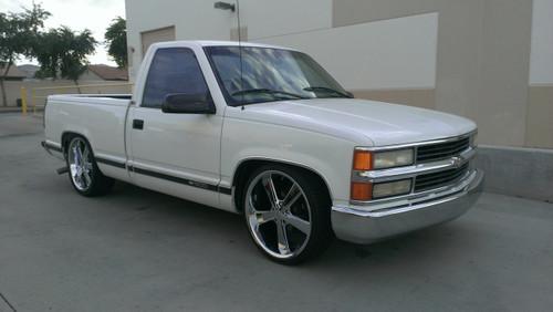 1997 Chevrolet Silverado - 4/6 Drop Kit, 22x9 +15mm American Racing Novas, 255/30R22 Front Tires & 265/35R22 Rear Tires