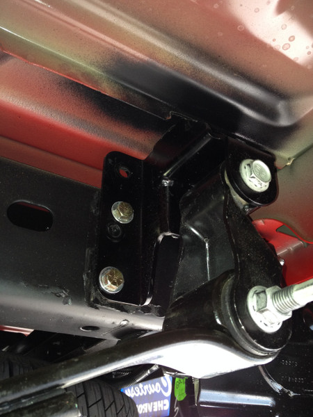 Chevrolet Silverado 1500 2wd 1999-2006 Rear Lift Hangers - McGaughys Part# 93049