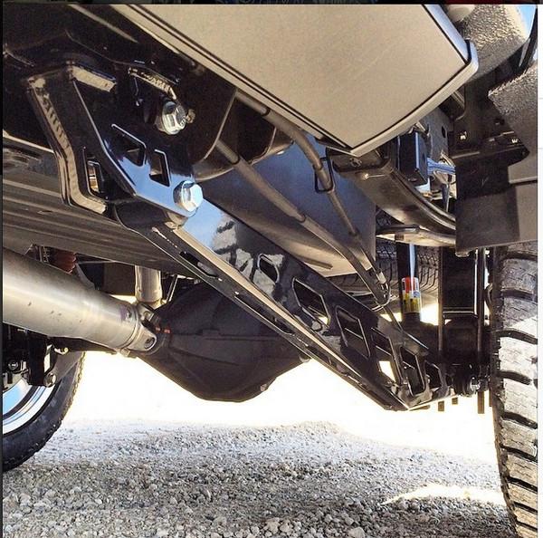 Chevrolet Silverado 1500 1999-2013 Traction Bar Kit - Mcgaughys Part #50018