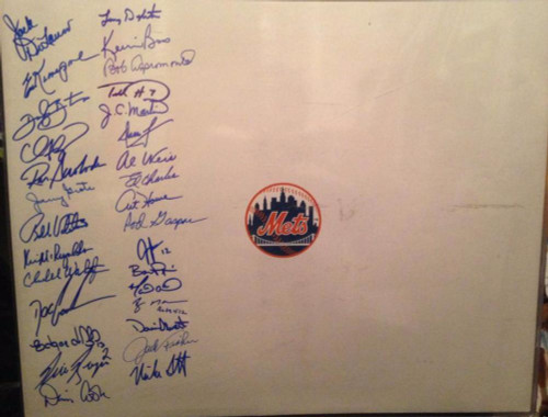 New York Mets Logo 16 x 20 Photo Signed by 30 Players Tons of Room for More!!