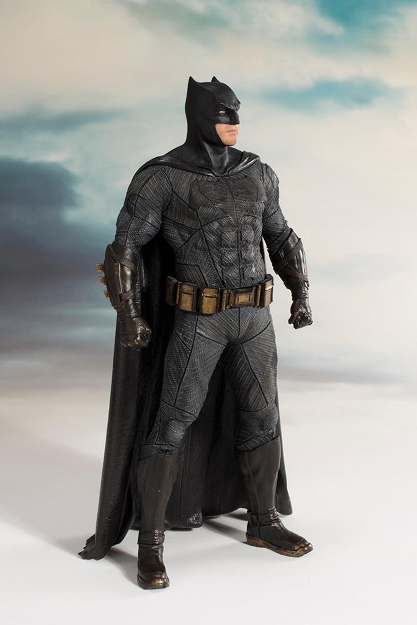 DC Comics - Justice League Movie ~ Batman ArtFX Statue