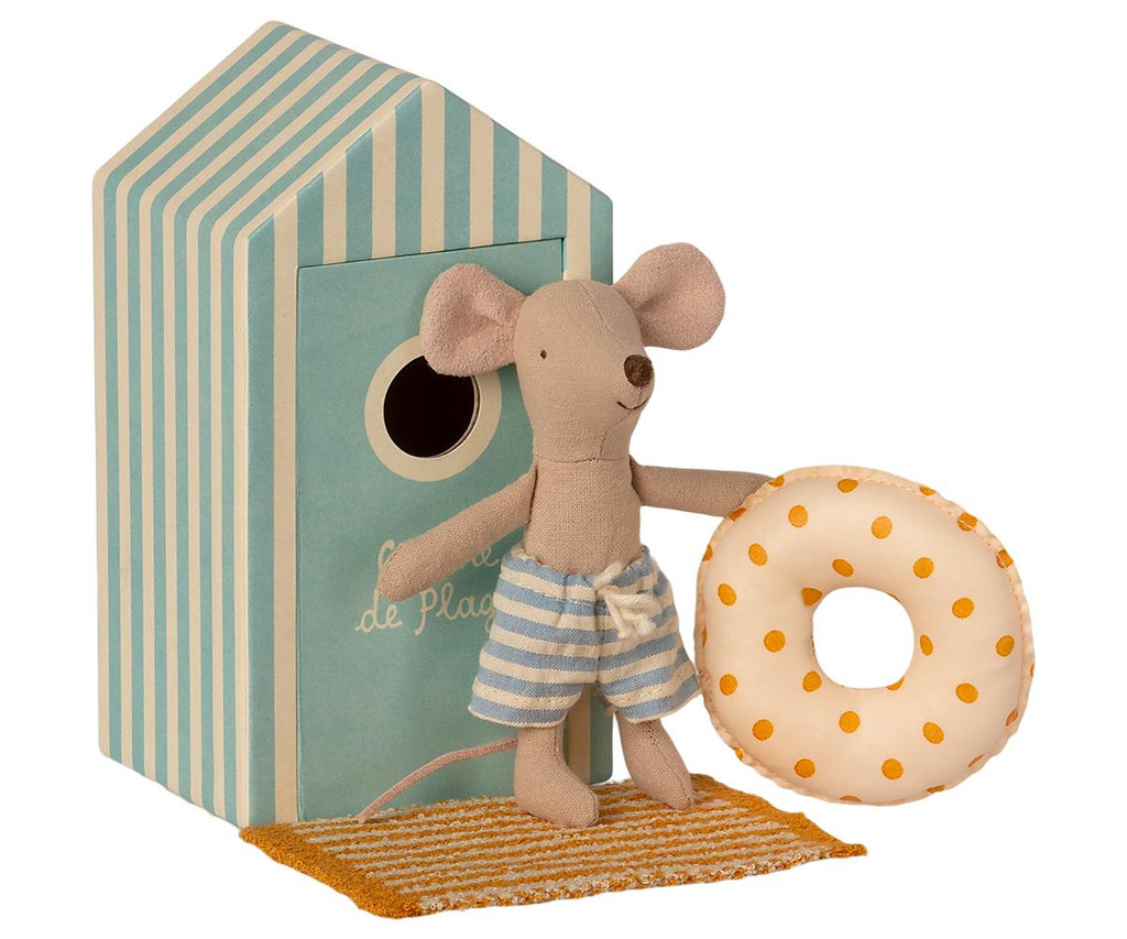 Beach Mice - Little Brother In Cabin de Plage