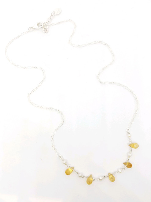 Short Silver Necklace with Citrine and Grey Pearl