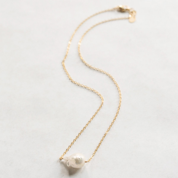 Simple  Baroque Pearl Gold Necklace