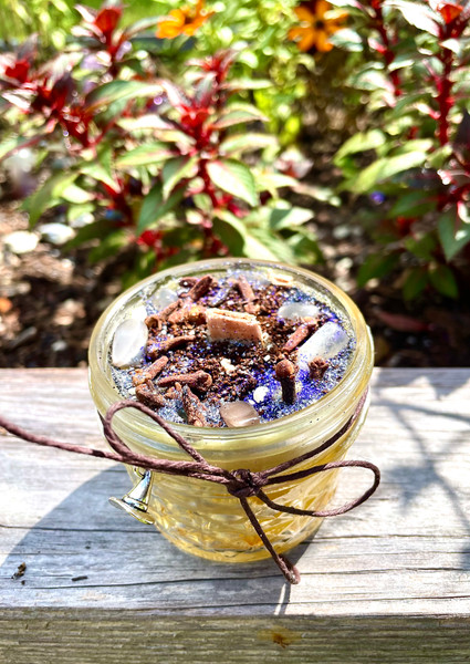 Witches Brew Beeswax Wood Wick Candle