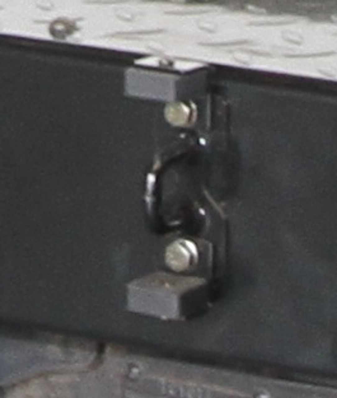 Replacement D-Latch (Wheel Carrier)
